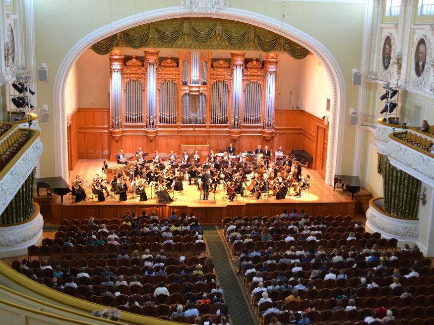 Тульский филармонический симфонический оркестр выступил на фестивале «Летний вальс»